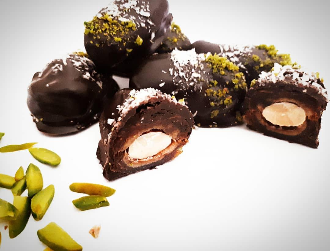 خرما مغزدار با روکش شکلات